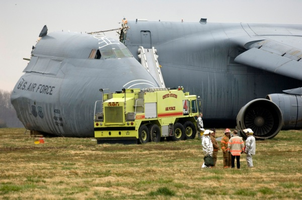 C-5 Galaxy crashes at Dover AFB
